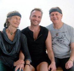 Σπύρος Καπνιάς - Garudananda - Atma Yoga Academy
